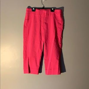 Allure Alfred Dunner pink Capri pants. Size 8 NWT